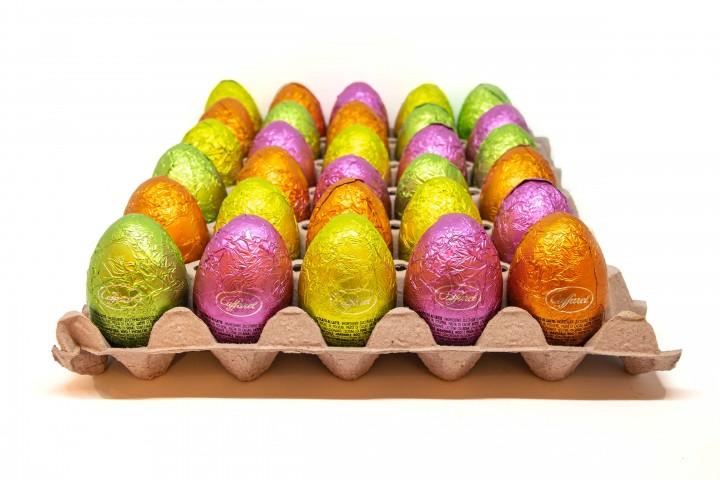 Überraschungs-Ei aus Vollmilchschokolade